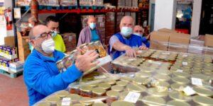 Cofarcu dona 10.000 euros a Cáritas y al Banco de Alimentos